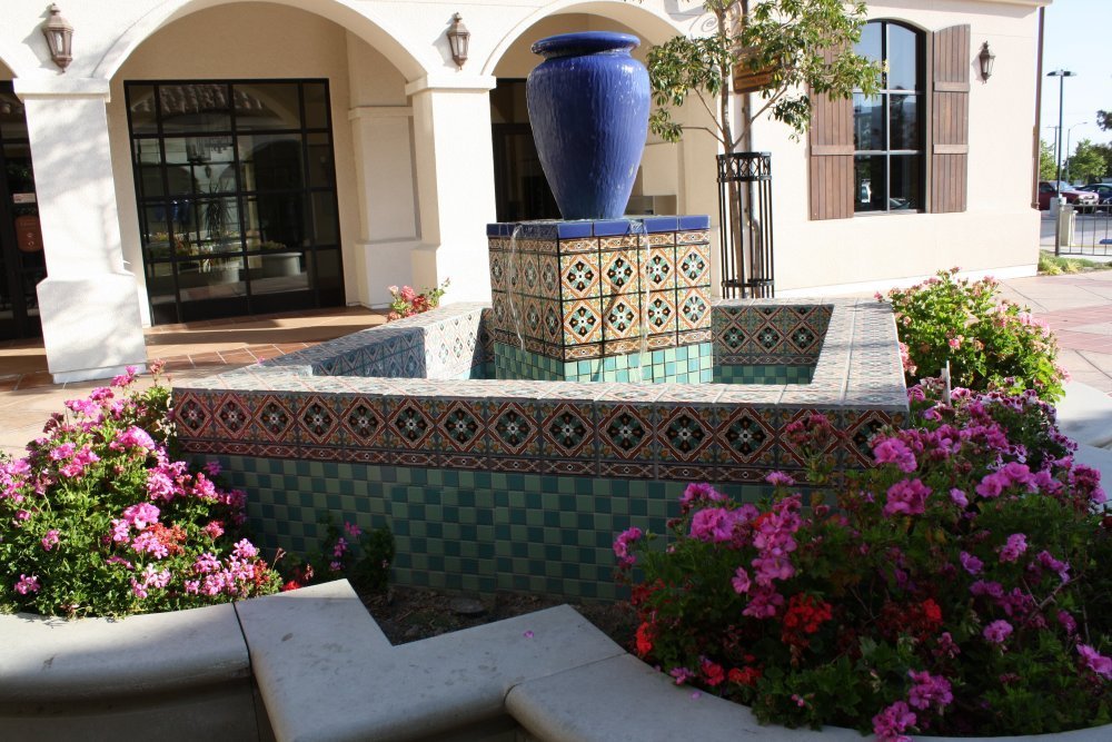 Tile Use In Fountains Mexican Home Decor Gallery Mission