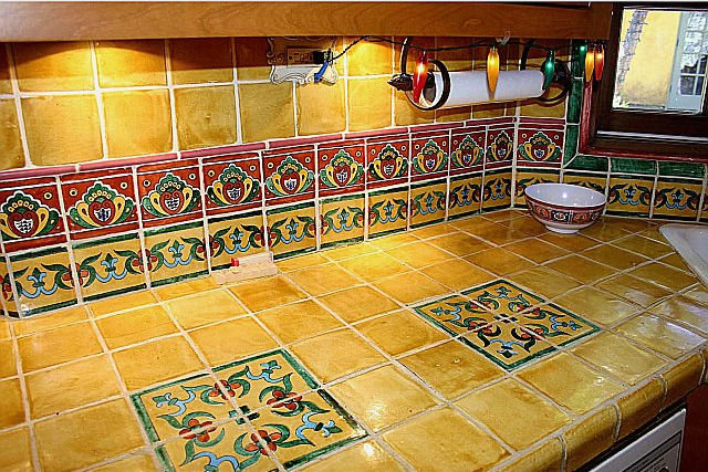 This Mexican Style Kitchen Shows A Warm Combination Of Yellow And Terra Colors For The Field Tile Talavera Was Used On